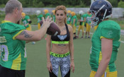 Провокативната Кети Кор се справя с екстремни спортни предизвикателства в нова риалити поредица във Vbox7.com