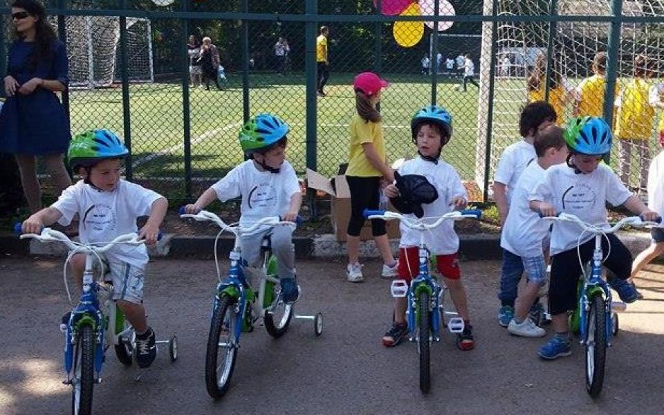 Велосипеден град навръх деня на детето