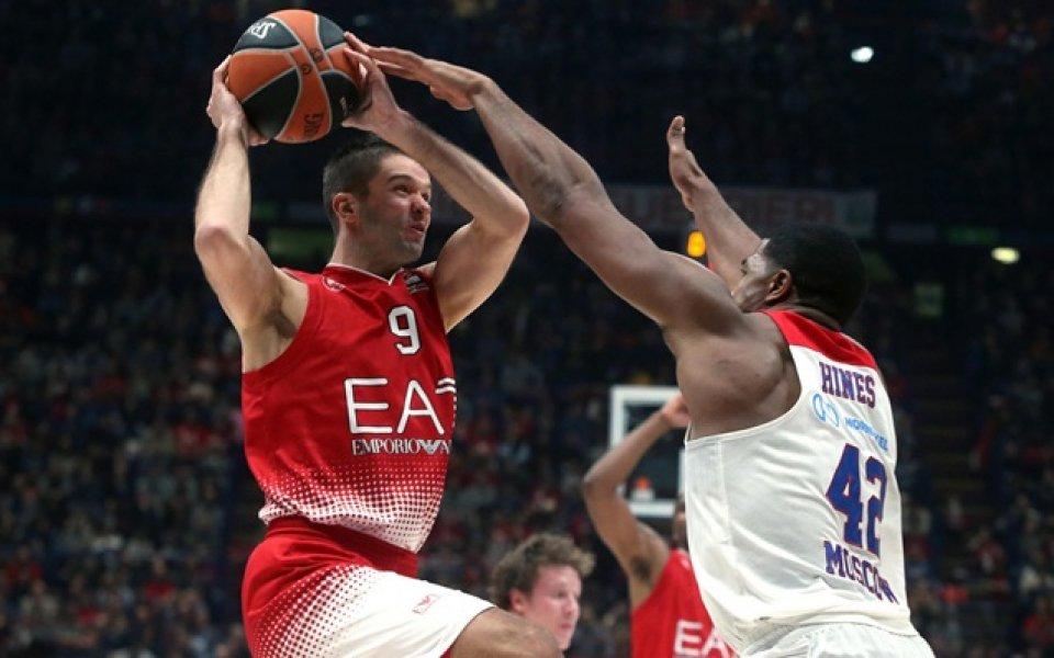 Смях в залата: Баскетболист на Милано се изложи