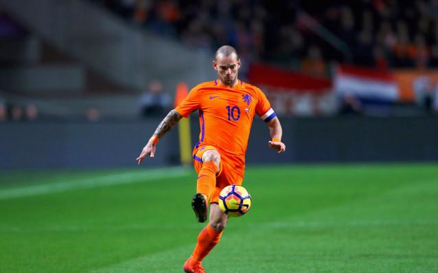 Рекордьорът по мачове за националния отбор на Холандия Уесли Снайдер