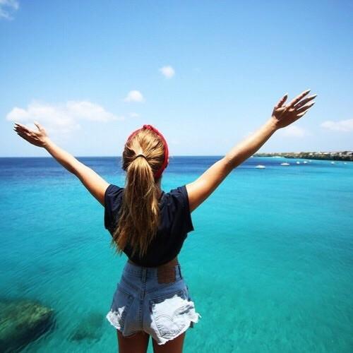 <p>Овен - Днес е пълнолуние. Денят е подходящ за диети и прочистване, както и за освобождаване от всичко, което вече не ви служи. Избягвайте пътувания и контакти с хора от чужбина. Препоръчителни са медитации и духовни практики.</p>