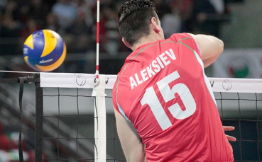 Алексиев и Олимпиакос с успех над Йорданов и Панатинайкос