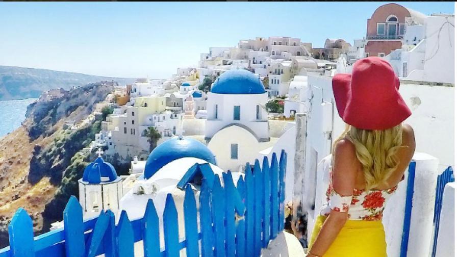Да, красива съм и пътувам сама по света