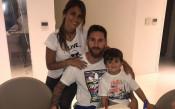 Лионел Меси отпразнува 30-ия си рожден ден с три торти
