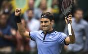 Федерер уверено крачи към поредните велики постижения