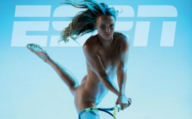 Вознячки се снима чисто гола за ESPN