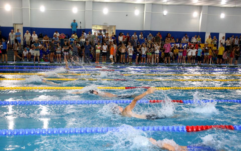 17-годишен талант подобри 30-годишен рекорд в българското плуване