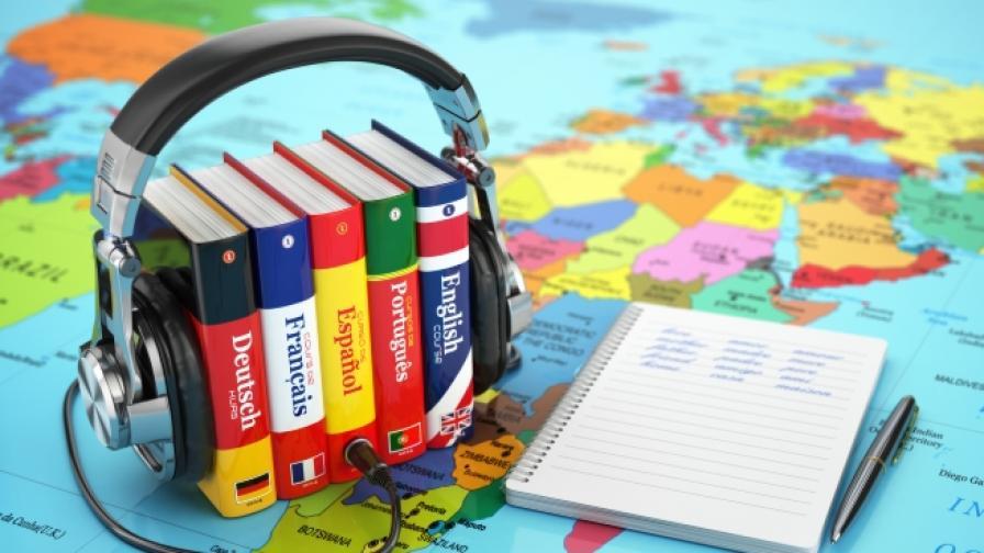 Бивш водопроводчик изобрети умен преводач за 8 езика