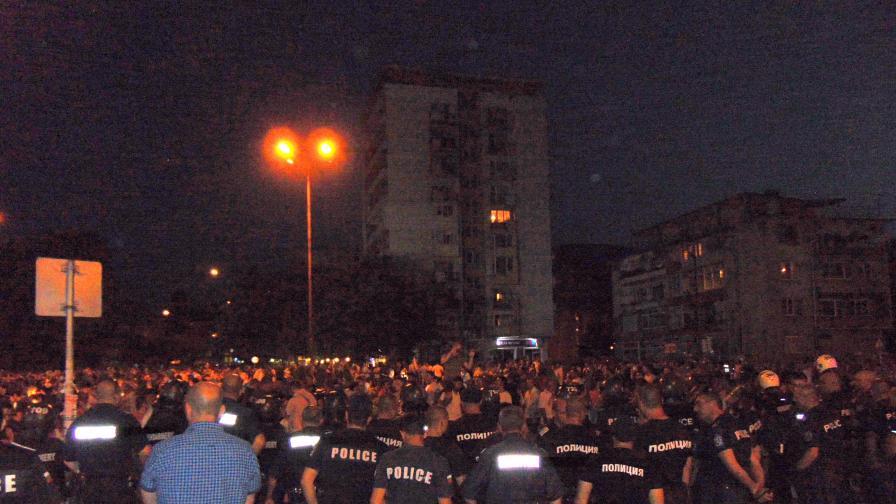 Протестите в Асеновград продължават