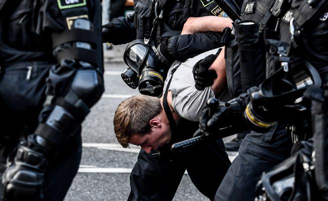 Горящи барикади, разбити магазини и банки, арести и сблъсъци съпътстват срещата на Г-20 в Хамбург