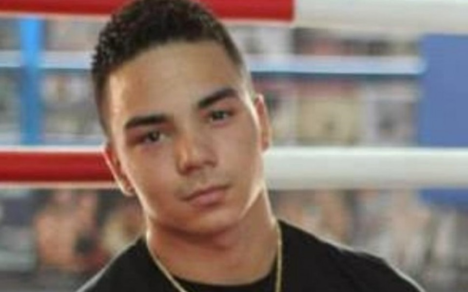 Боксьор в неизвестност след нападение над треньора му