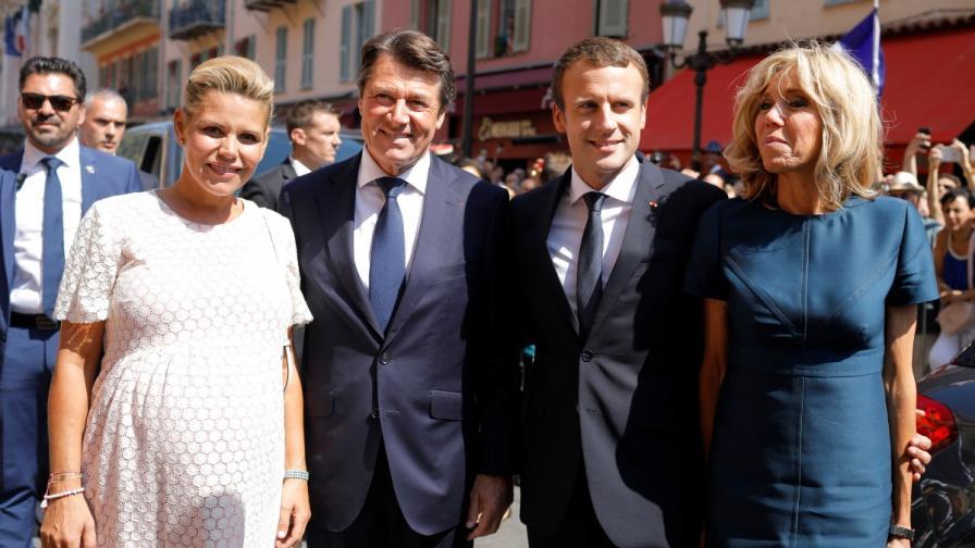 Еманюел и Бриджит Макрон с кмета на Ница и съпругата му