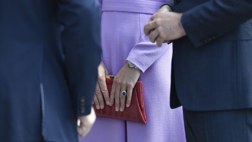 Кейт Мидълтън и принц Уилям на посещения в Полша и Германия