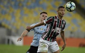 Челси надцаква Милан за 20-годишен бразилец