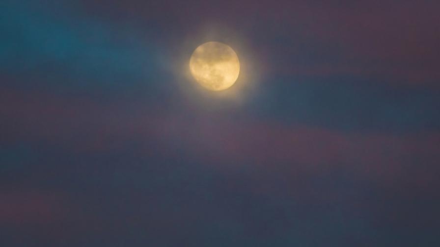 САЩ шпионирали Русия с помощта на Луната