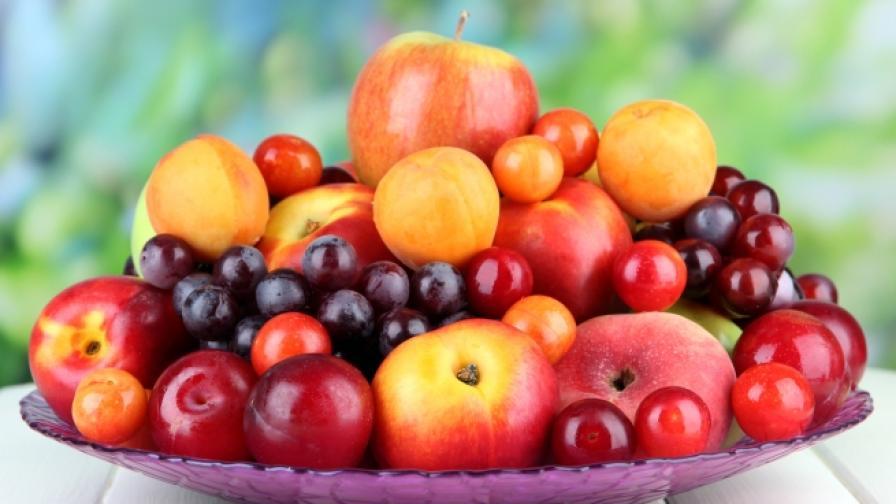 Апетитна изненада с плодове от градината на баба