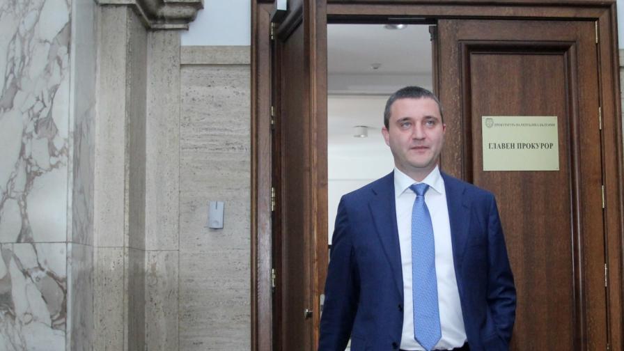 Горанов: Корнелия Нинова приватизираше за себе си