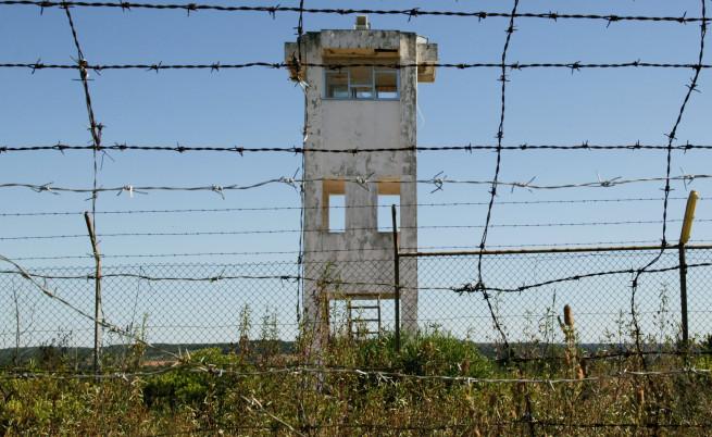 Изглед от военната база в Танкос, чийто арсенал беше обран на 28 юни