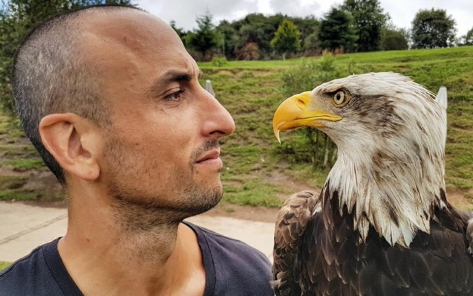 Очи в очи: Ману и орелът