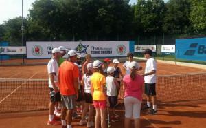 """AES България Тенис Звезди"""" зарадва младите таланти в Русе и Бургас"""