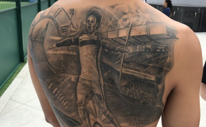 Лерой Сане изтри Ман Сити от татуировката си