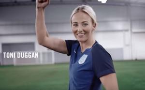 9 (тъпи) въпроса, които се задават само на жени - футболисти