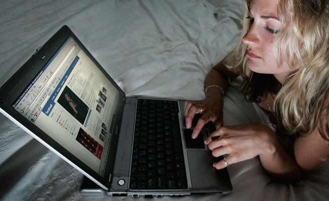 Какво знае Facebook за любовния ви живот?