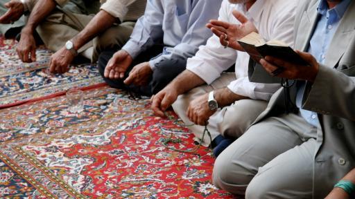 Мюсюлманите празнуват Рамазан Байрам, молитвите ще са на открито