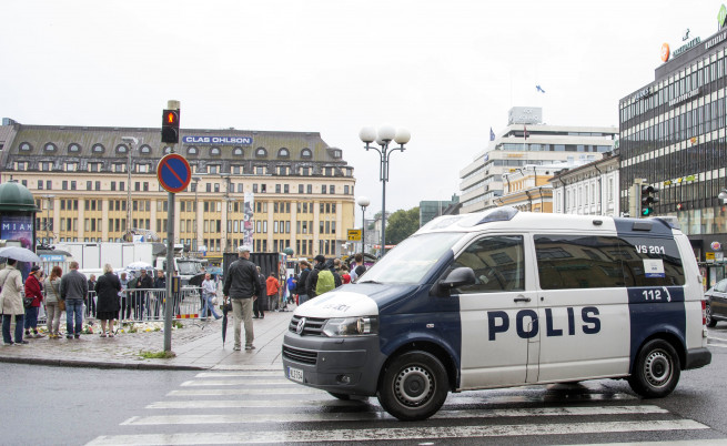 Терористът във Финландия атакувал жени