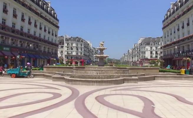 Предградието Тиандученг, построено да прилича на Париж