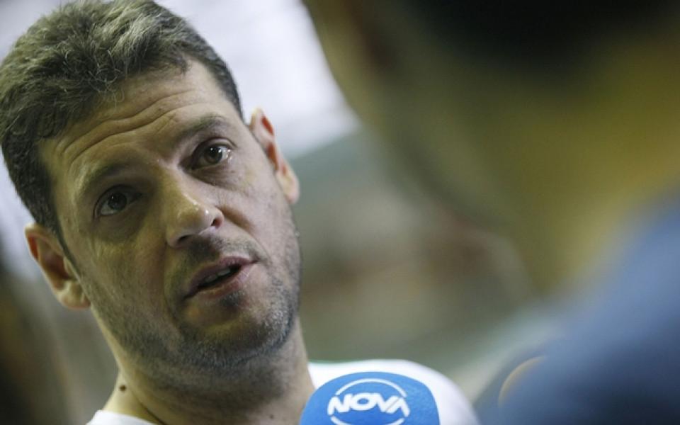 Пламен Константинов и Локомотив тръгнаха с поражение в плейофите