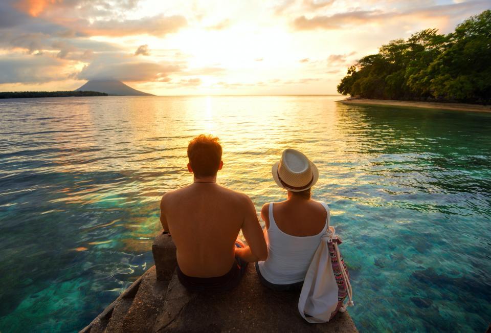 лято двойка плаж залез любов