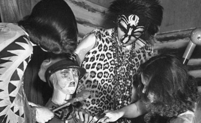 Странната история на вещерското вуду парти за убийството на Хитлер