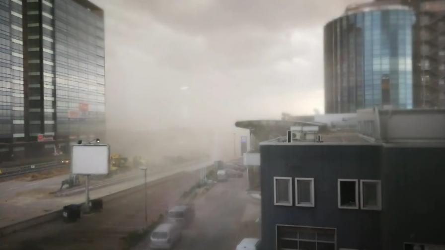 Силна буря удари София