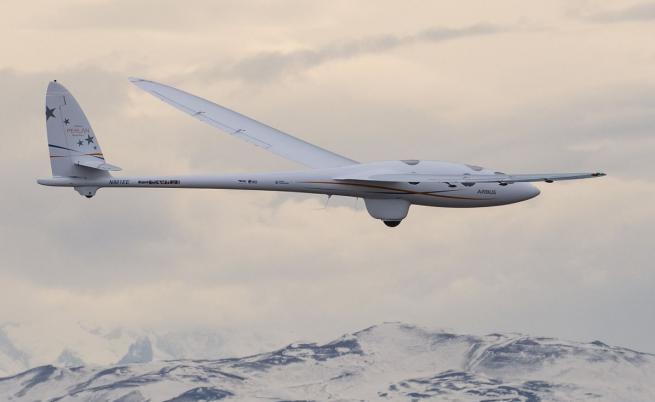 Безмоторен самолет на Airbus летя на рекордна височина