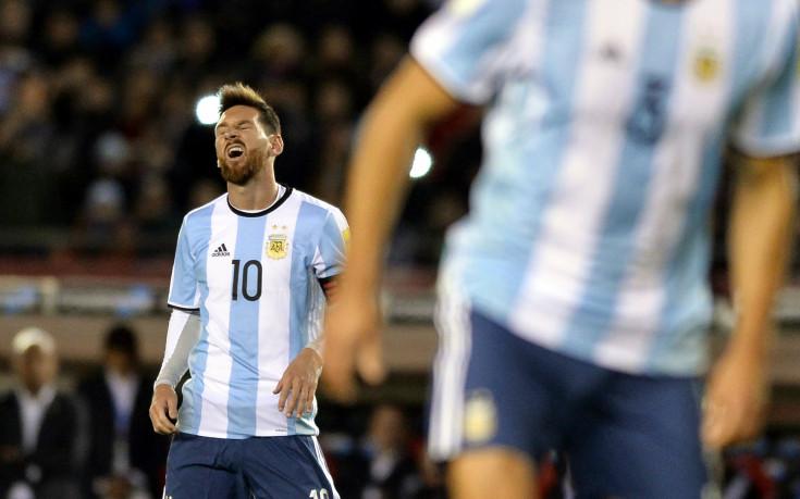 Аржентина може да изхвърчи от световното след нов провал
