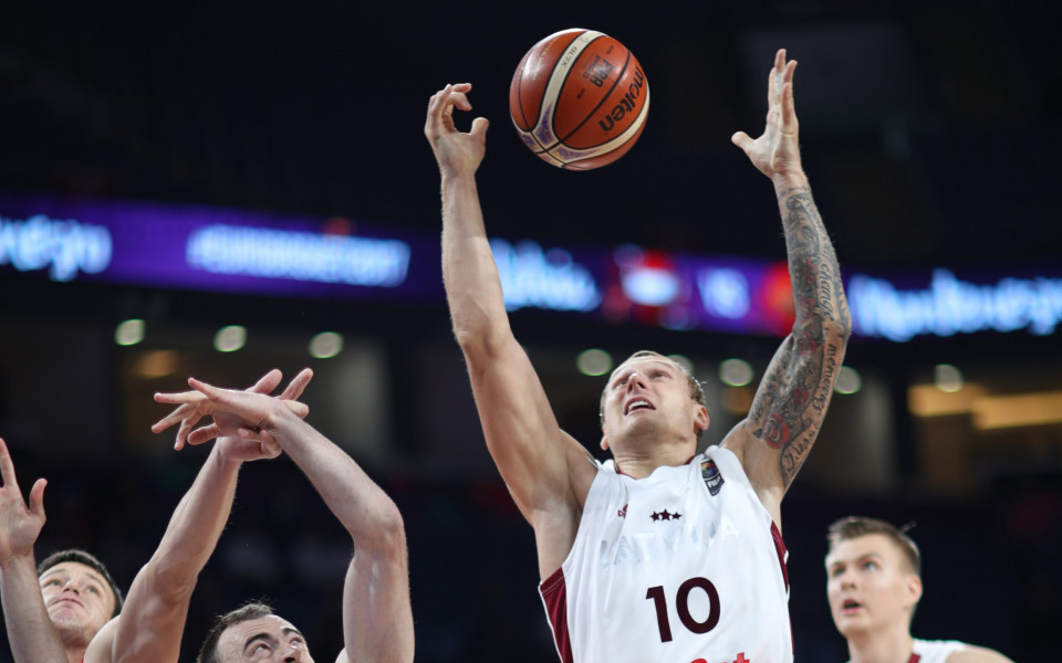 Сърбия и Латвия влязоха в Топ 8 на Евробаскет 2017