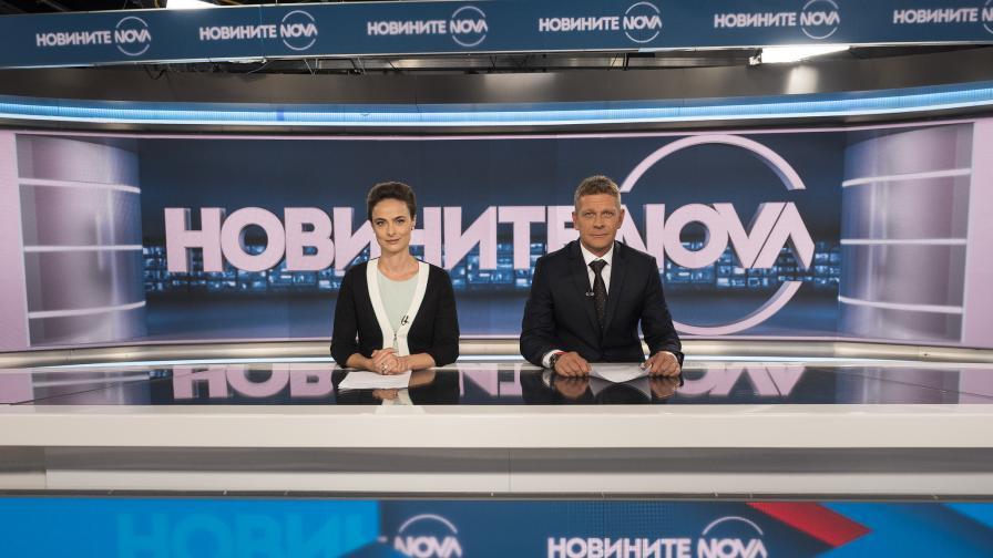 Йоана Буковска и Юлиан Вергов в ролата на новинари
