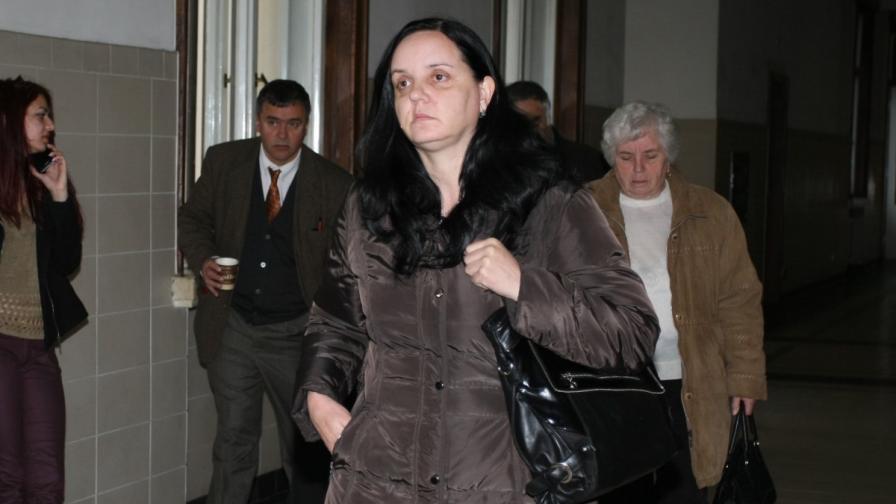 Акушерката Емилия Ковачева