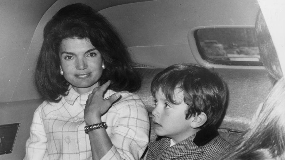 Третият живот на Джаки Кенеди Онасис - страстта към книгите и живота