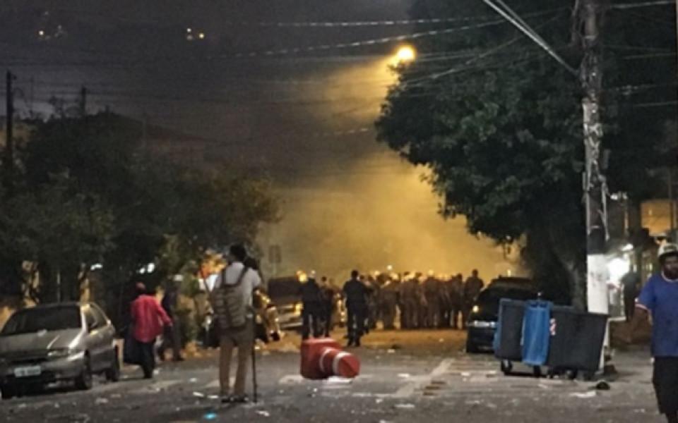Полицията в Сантос блокира буйстващи фенове на стадиона