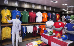 ФИФА смекчава режима за екипировката на националните отбори