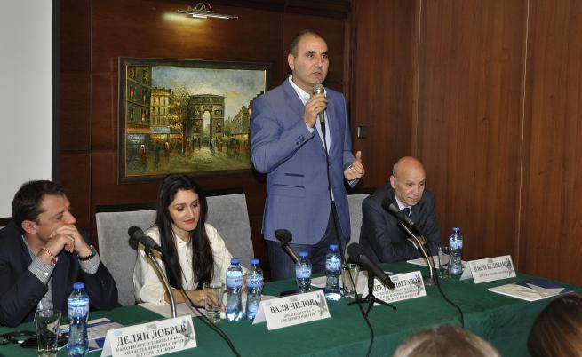 По-добри времена - отляво-надясно Делян Добрев, Валя Чилова, Цветан Цветанов и Добри Беливанов през 2016