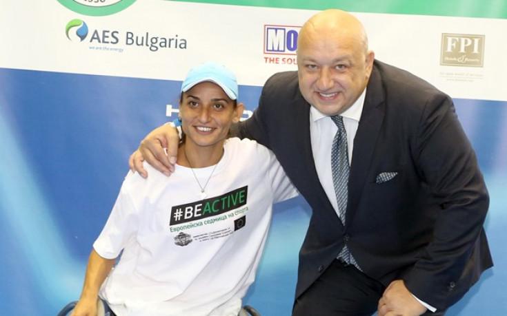 Министър Кралев награди победители от турнир по тенис за хора с увреждания