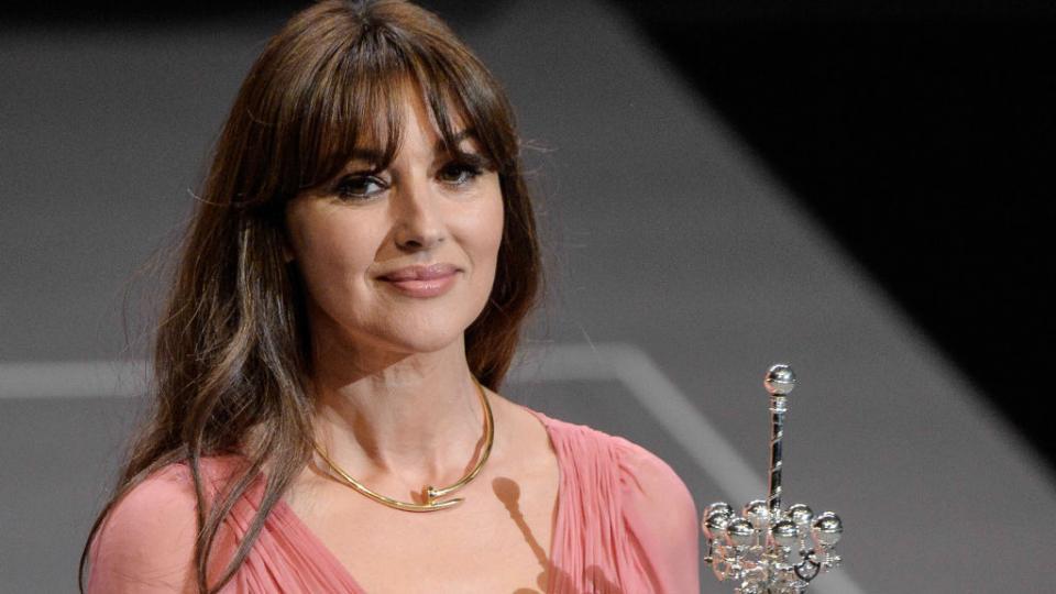 Великата Моника Белучи с почетна награда на фестивала в Сан Себастиан