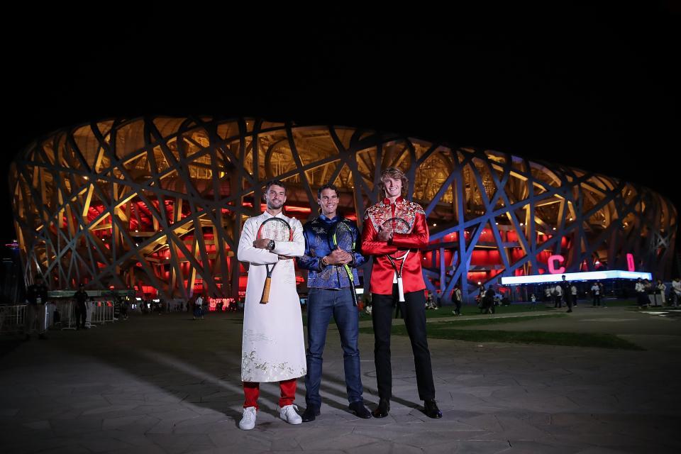 И в далечен Пекин не останаха равнодушни на чара на Димитров и още преди старта на турнира от АТП 500 там му връчиха награда - за най-добре облечен на галата на играчите.
