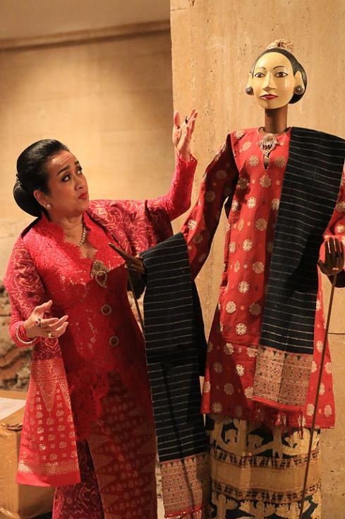 Сн. 39  - Фестивалът е организиран от посолството на Република Индонезия в партньорство с българската Национална галерия и запознава за първи път жителите и...