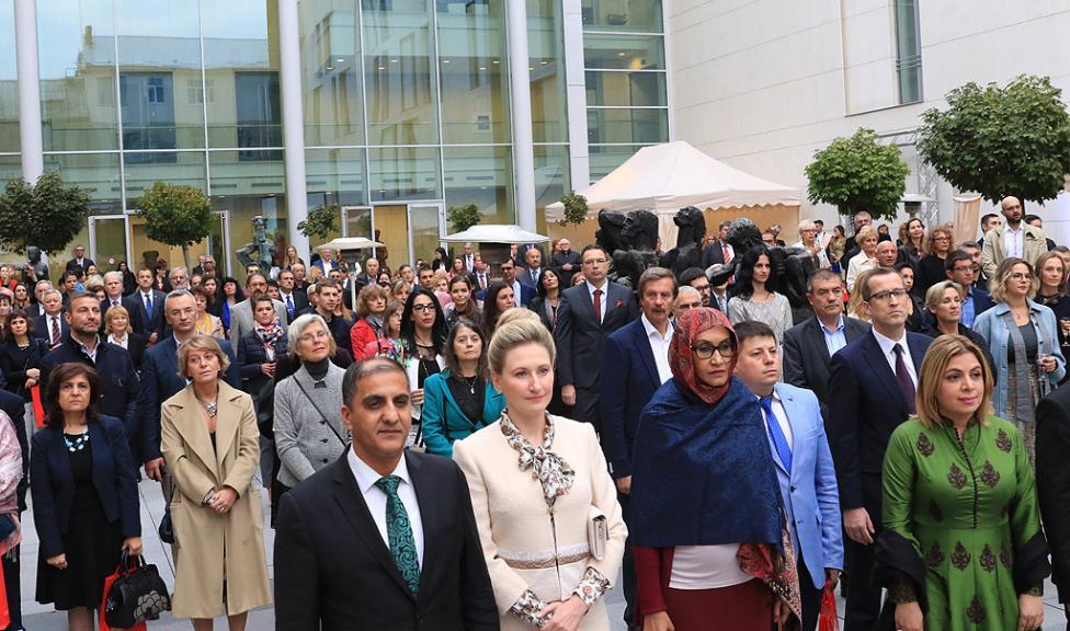 Сн. 5  - Официалното откриване на фестивала на 6 октомври 2017 г. в Квадрат 500 за подбрана публика от официални лица, партньори и приятели на посолството в...
