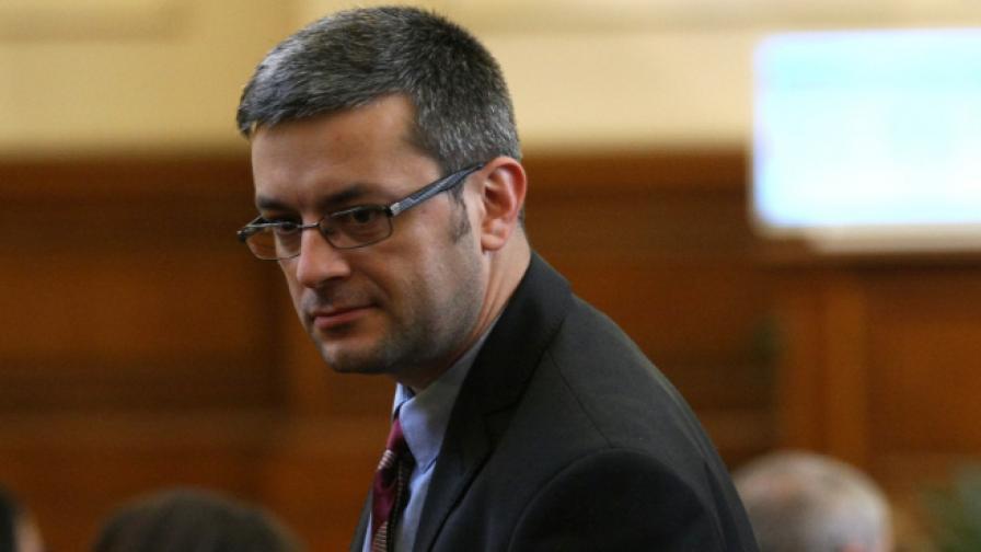 <p>Тома Биков с коментар ще има ли оставка</p>