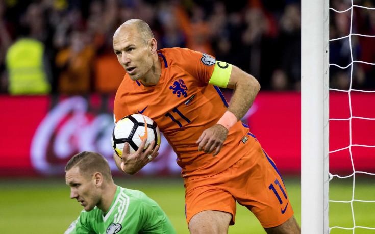 Холандия не успя да сътвори чудото, Швеция е на бараж